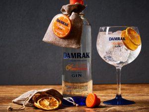 Damrak Gin met neckhanger